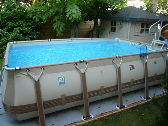Construction piscine hors sol besan on 25 castor bleu for Grande piscine tubulaire pas cher