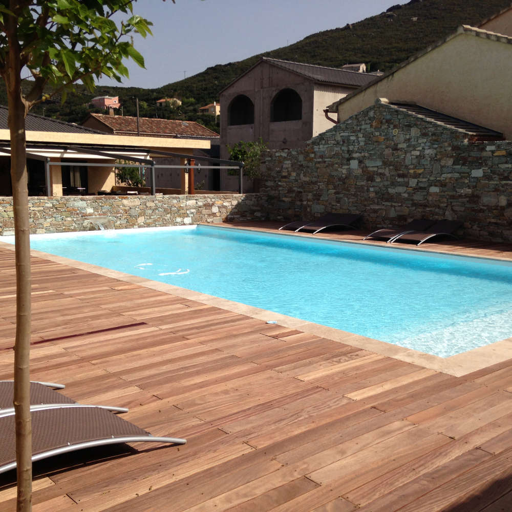 constructeur de piscine dans le doubs. Black Bedroom Furniture Sets. Home Design Ideas