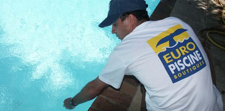Analyse de l 39 eau de piscine besan on castor bleu - Piscine eau noire besancon ...
